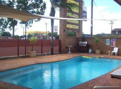 Town And Country Motor Inn Cobar - SA Accommodation