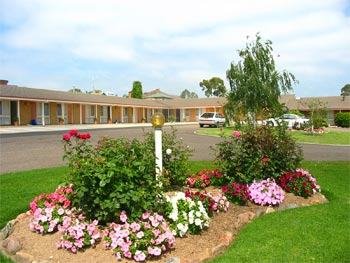 Bega Village Motor Inn - SA Accommodation