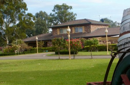 Carriage House Motor Inn - SA Accommodation