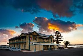 Arno Bay Hotel - SA Accommodation