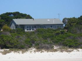 Island Beach Escape - SA Accommodation
