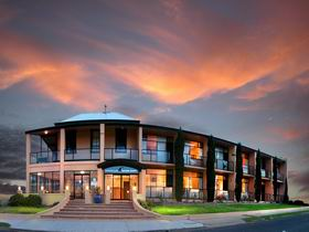 Kangaroo Island Seafront Resort - SA Accommodation