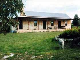 Mt Dutton Bay Woolshed Heritage Cottage - SA Accommodation