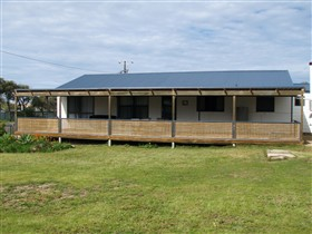 Surfin Sceales Beach House - SA Accommodation