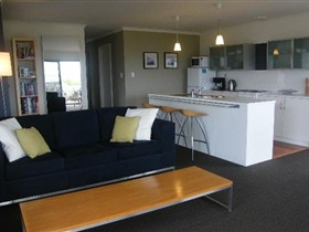 Coorong Waterfront Retreat - SA Accommodation