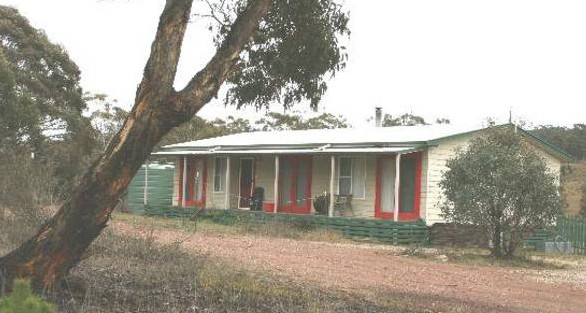 Christmas Tree Cottage - SA Accommodation