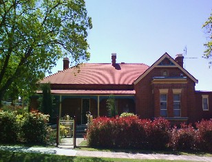Tumut Accommodation Sefton House - SA Accommodation