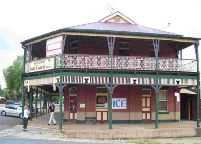 Henty Central Bed and Breakfast - SA Accommodation