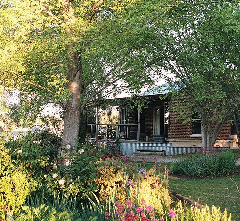 Amazing Country Escapes - Evanslea By The River - SA Accommodation