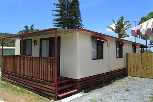 BIG4 Capricorn Palms Holiday Village - SA Accommodation