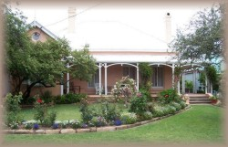 Guy House Bed and Breakfast - SA Accommodation