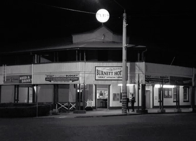 Burnett Hotel - SA Accommodation