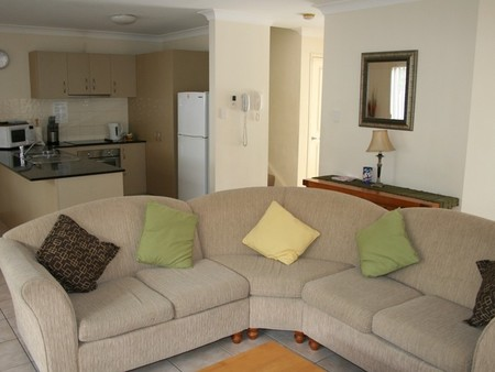 Pacific Sun Gold Coast Holiday Townhouse - SA Accommodation