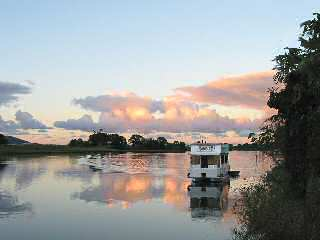 Tweed River Houseboats - SA Accommodation