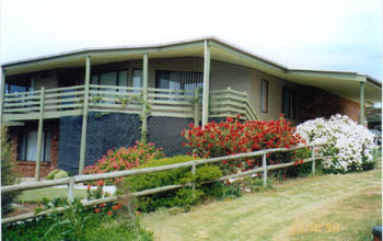 Currawong Holiday Home - SA Accommodation