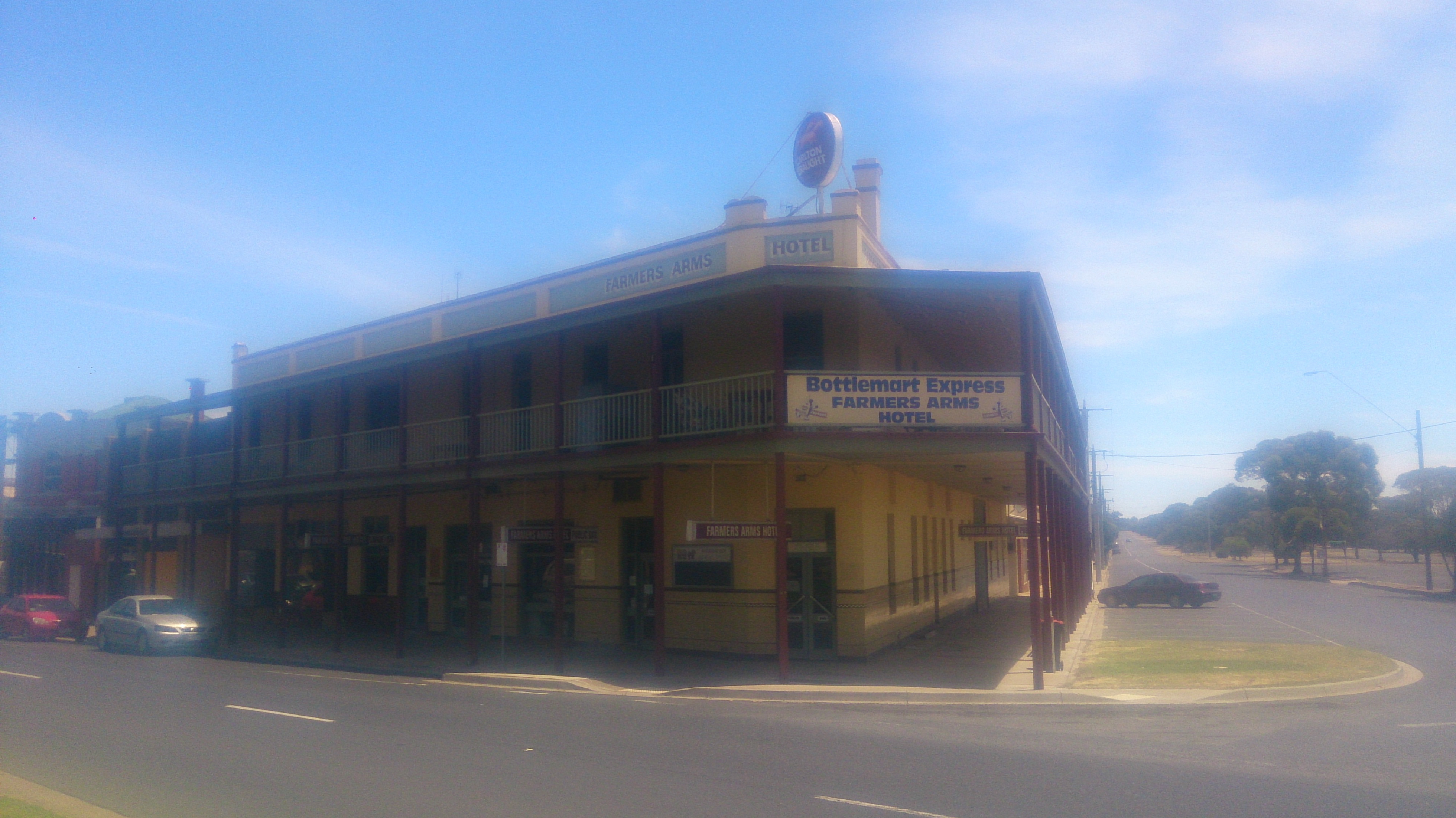 Farmers Arms Hotel - SA Accommodation