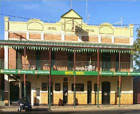 Royal Hotel Coonabarabran - SA Accommodation