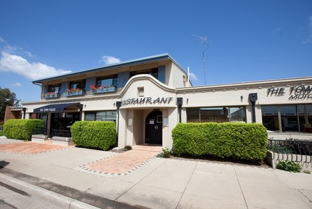 The Town House Motor Inn - Sundowner Goondiwindi - SA Accommodation
