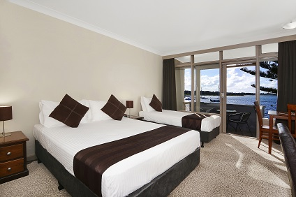 Waters Edge Country Comfort - SA Accommodation