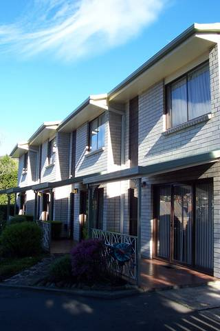 Davey Place Holiday Town Houses - SA Accommodation