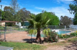 Lake Burrinjuck Leisure Resort - SA Accommodation