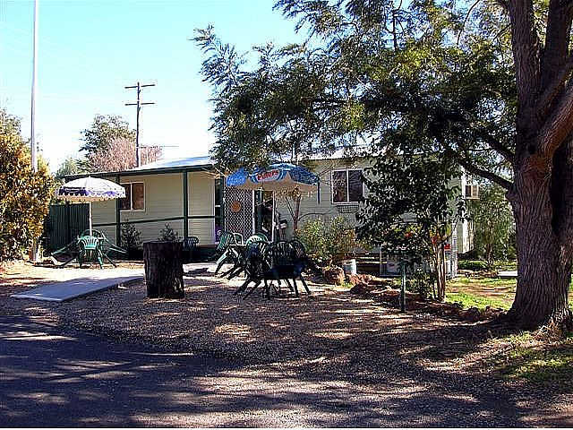 Manilla River Gums Caravan Park - SA Accommodation