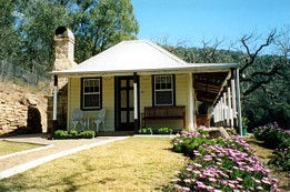 Price Morris Cottage - SA Accommodation