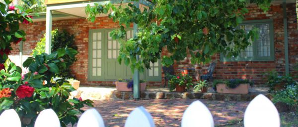 Kalamunda Carriages and Three Gums Cottage - SA Accommodation