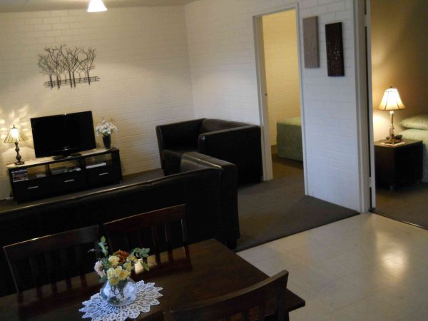 BJs Short Stay Apartments - SA Accommodation