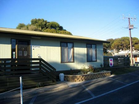 Lake Albert Caravan Park - SA Accommodation
