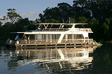 Whitewater Houseboat - SA Accommodation