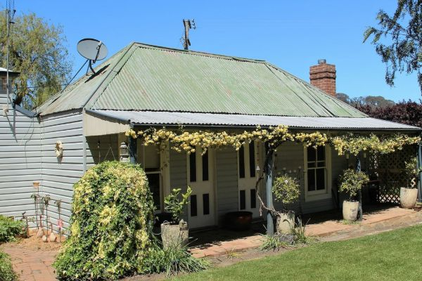Drayshed Cottage - SA Accommodation