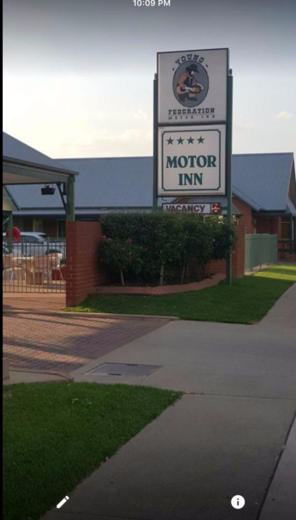 Federation Motor Inn Young - SA Accommodation
