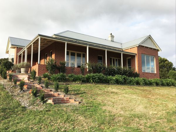 Shearer's Hill - Luxury Farm Stay - SA Accommodation