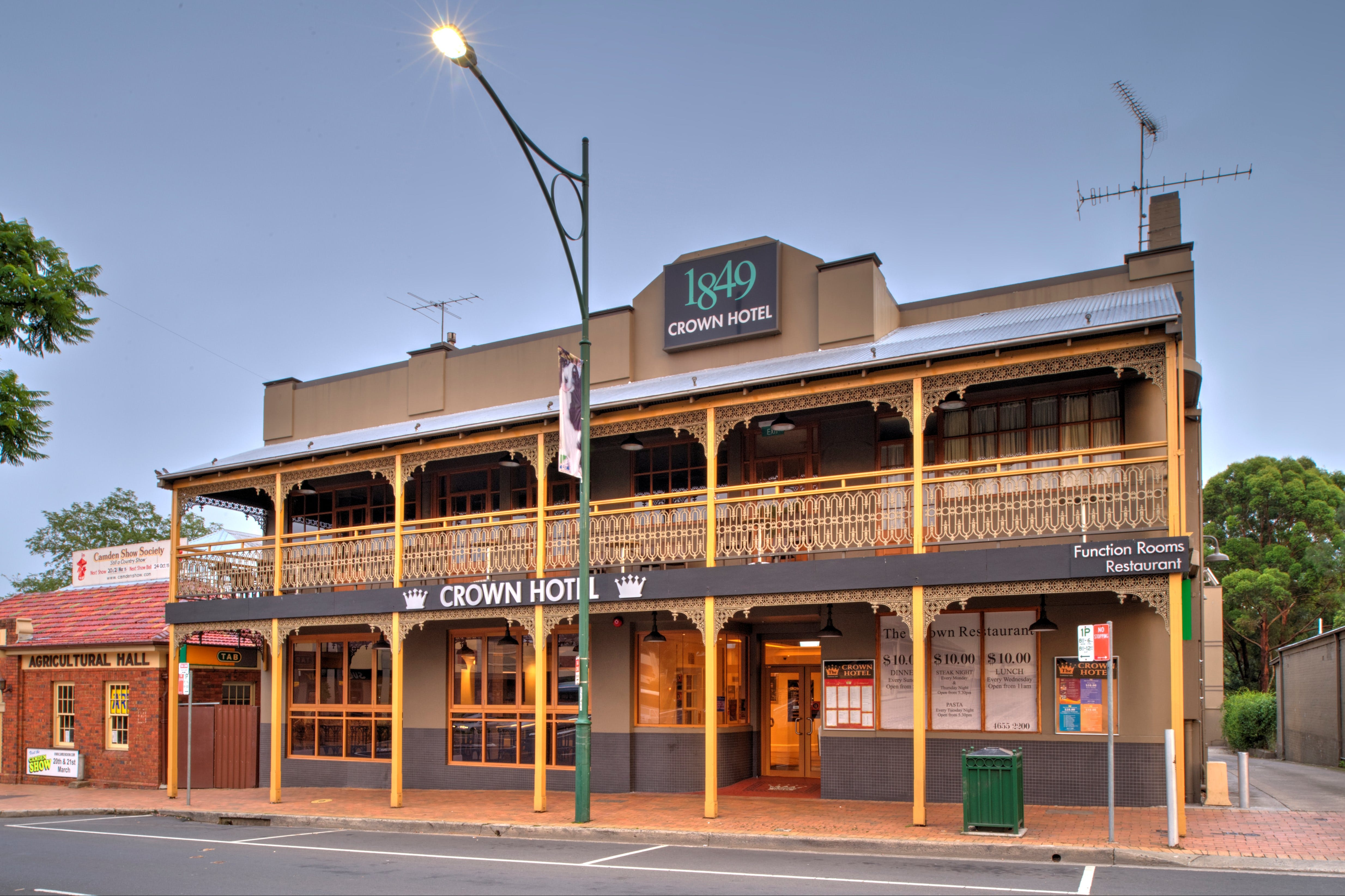 The Crown Hotel Motel - SA Accommodation
