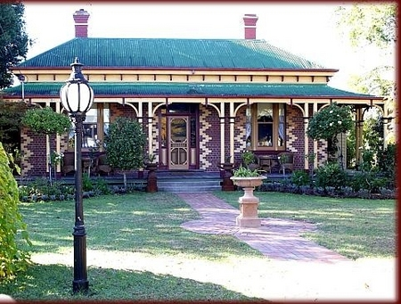 Tara House Bed and Breakfast - SA Accommodation