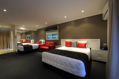 The Gateway Village Holiday Park - SA Accommodation
