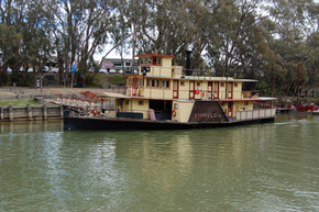 Emmylou Paddle Steamer - SA Accommodation