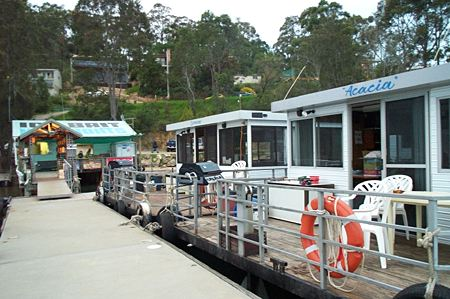 Clyde River Houseboats - SA Accommodation