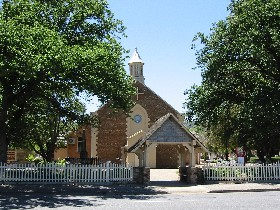 St George Church and Cemetery Tours - SA Accommodation
