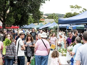 Willunga Farmers' Market - SA Accommodation