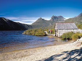Dove Lake Circuit - SA Accommodation