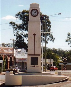Goomeri War Memorial Clock - SA Accommodation