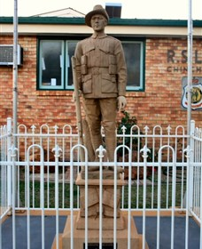 Soldier Statue Memorial Chinchilla - SA Accommodation