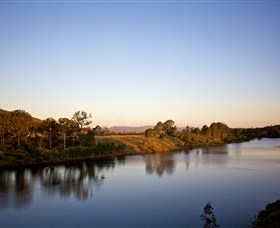 Lake Wivenhoe - SA Accommodation