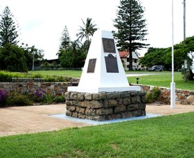 Dunwich War Memorial - SA Accommodation