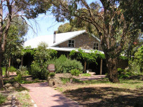 St Anne's Vineyard - Myrniong - SA Accommodation