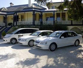 Highlands Chauffeured Hire Cars Tours - SA Accommodation