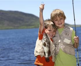 Fishing on Keswick Island - SA Accommodation