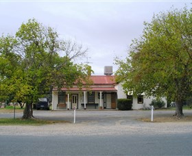 Round Hill Hotel - SA Accommodation